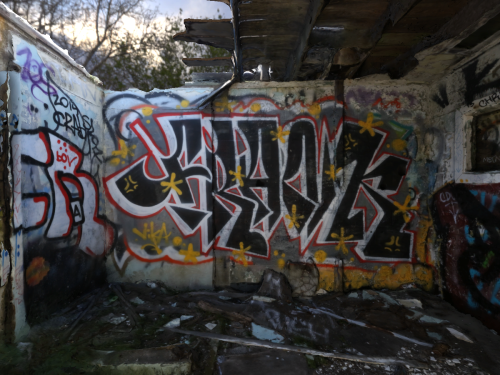 Graffiti Bunker Small